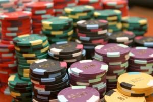 bandar-dan-agen-judi-penyedia-games-domino-ceme-kiu-kiu-online-uang-asli-via-android-300x200